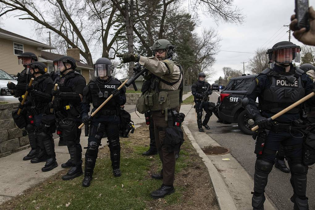 Media: Protests erupt in Minnesota after police officer shoots African-American man