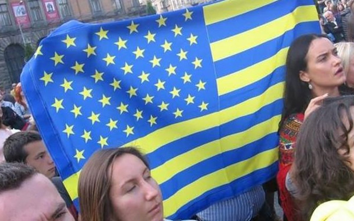 Kiev believes U.S. will not leave Ukraine alone with Russia