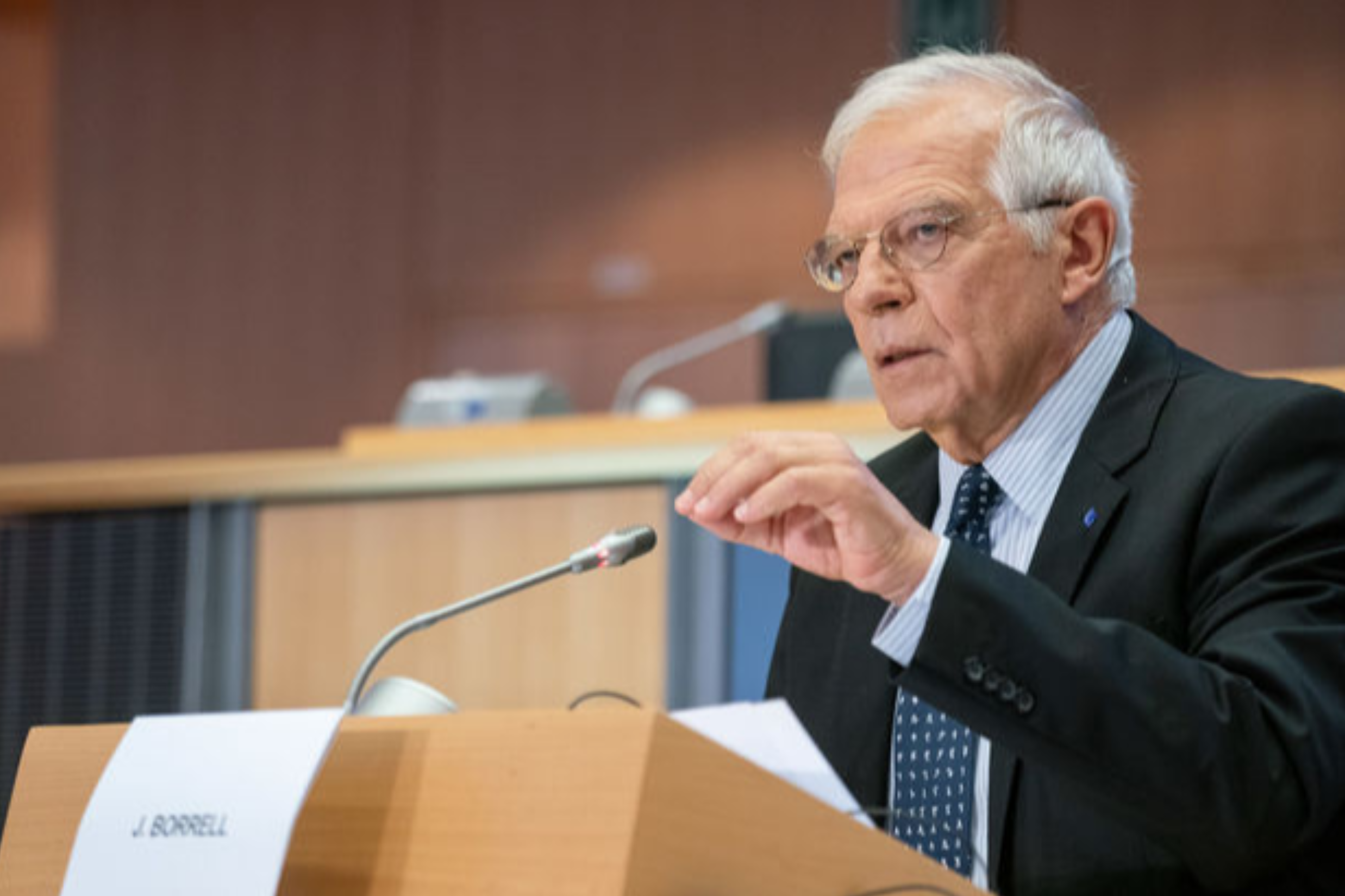 Borrell plans to visit the contact line in Donbass