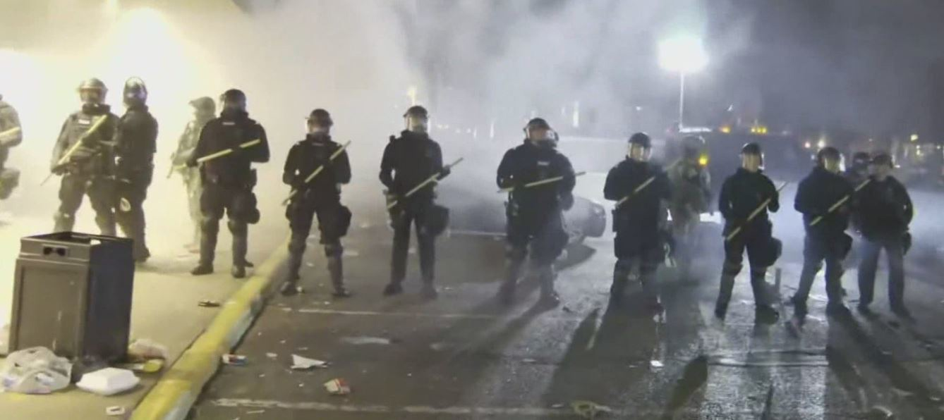 A second night of riots in Minneapolis