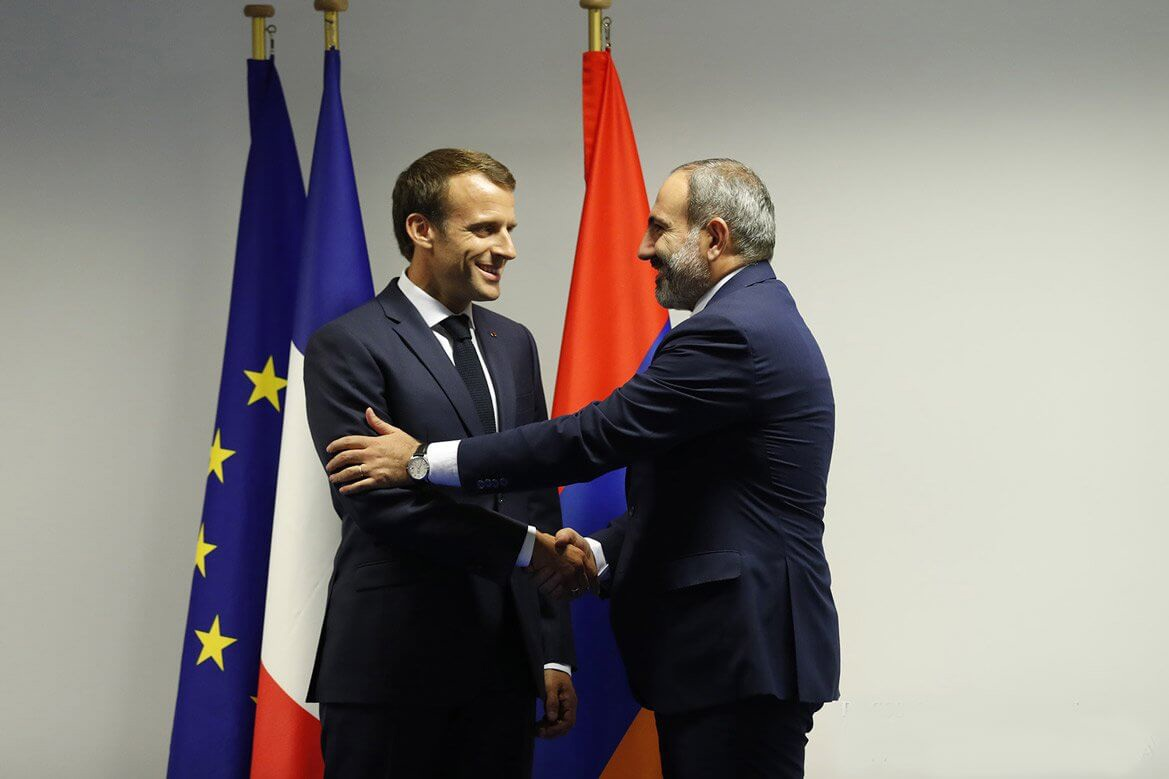 Armenian and French leaders discuss Karabakh conflict settlement