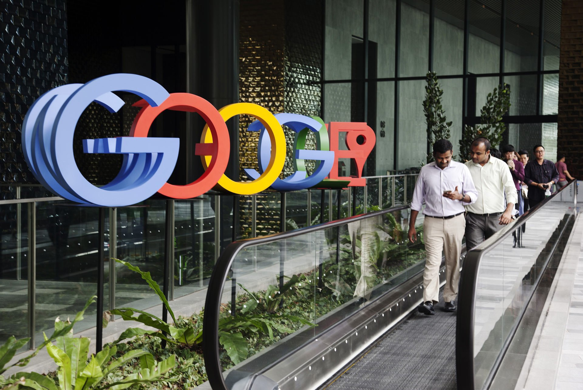 US tries to put pressure on tech giants - Senate could ban company takeovers