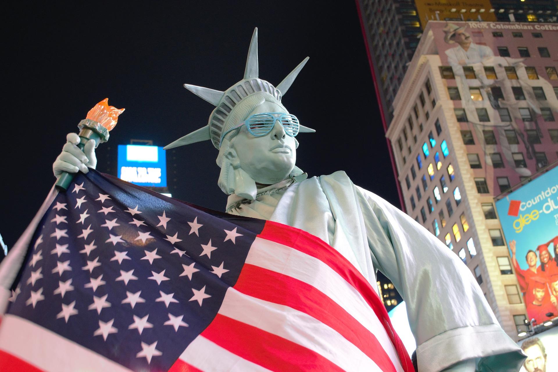 The transition of Americans from pragmatic to emotional politics. Rostislav Ischenko