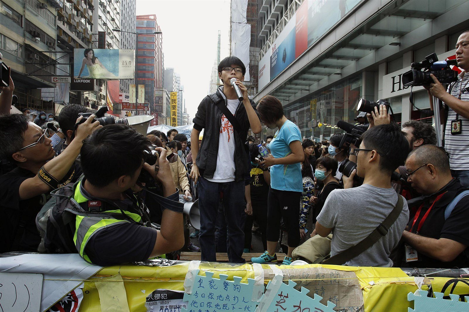 Prominent Hong Kong extremist given new sentence
