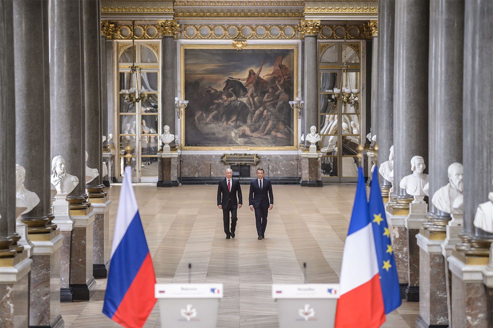 French foreign minister advocates continued dialogue with Russia despite sanctions