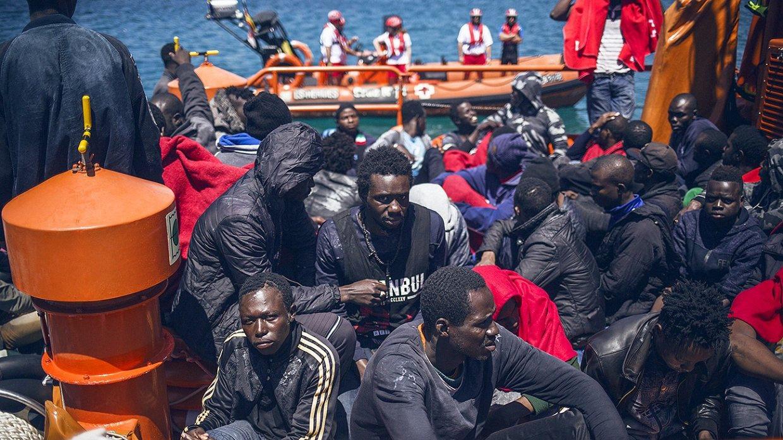 Tunisia refuses to build migrant camps