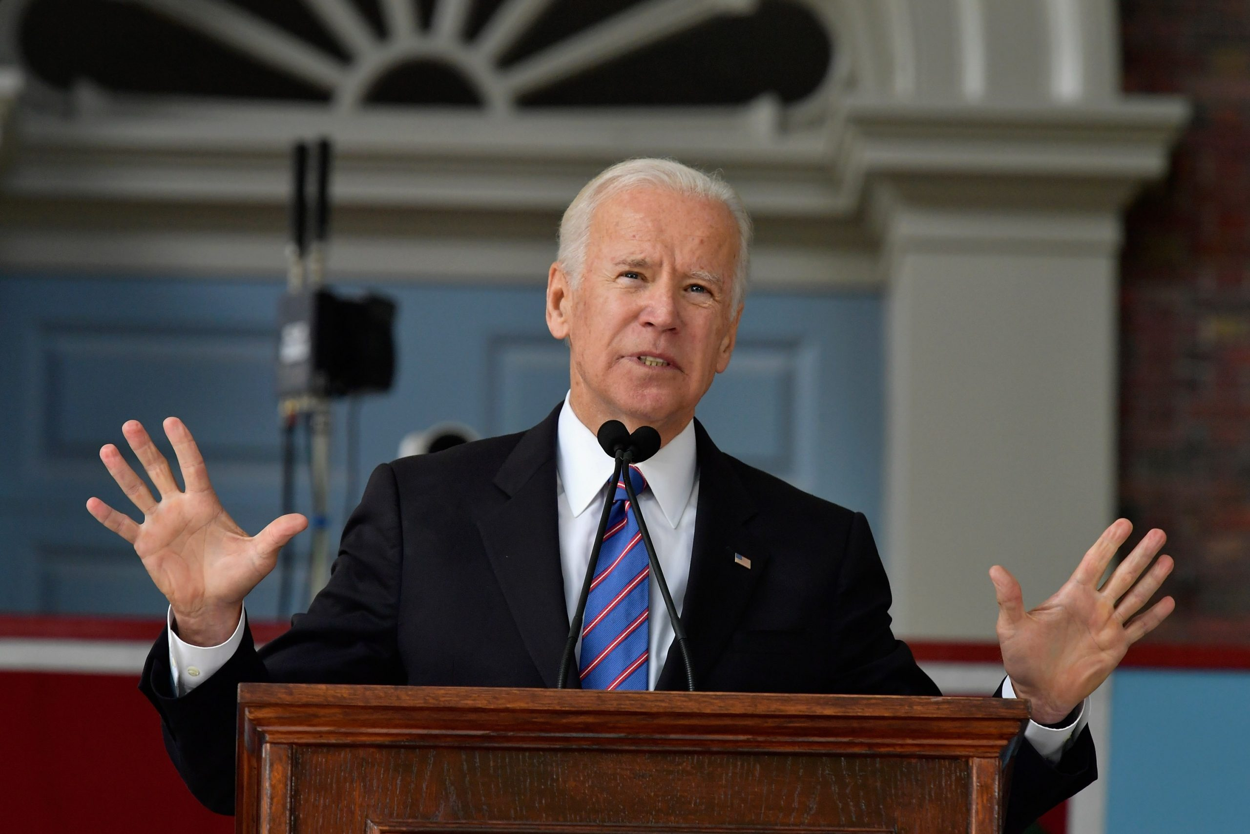 Biden's social strategy leads US to dollar collapse