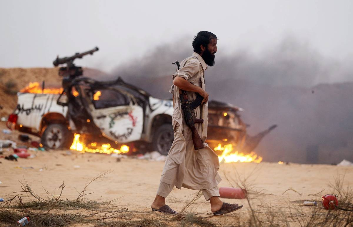 Suicide bomber blows up checkpoint in Libya: two dead