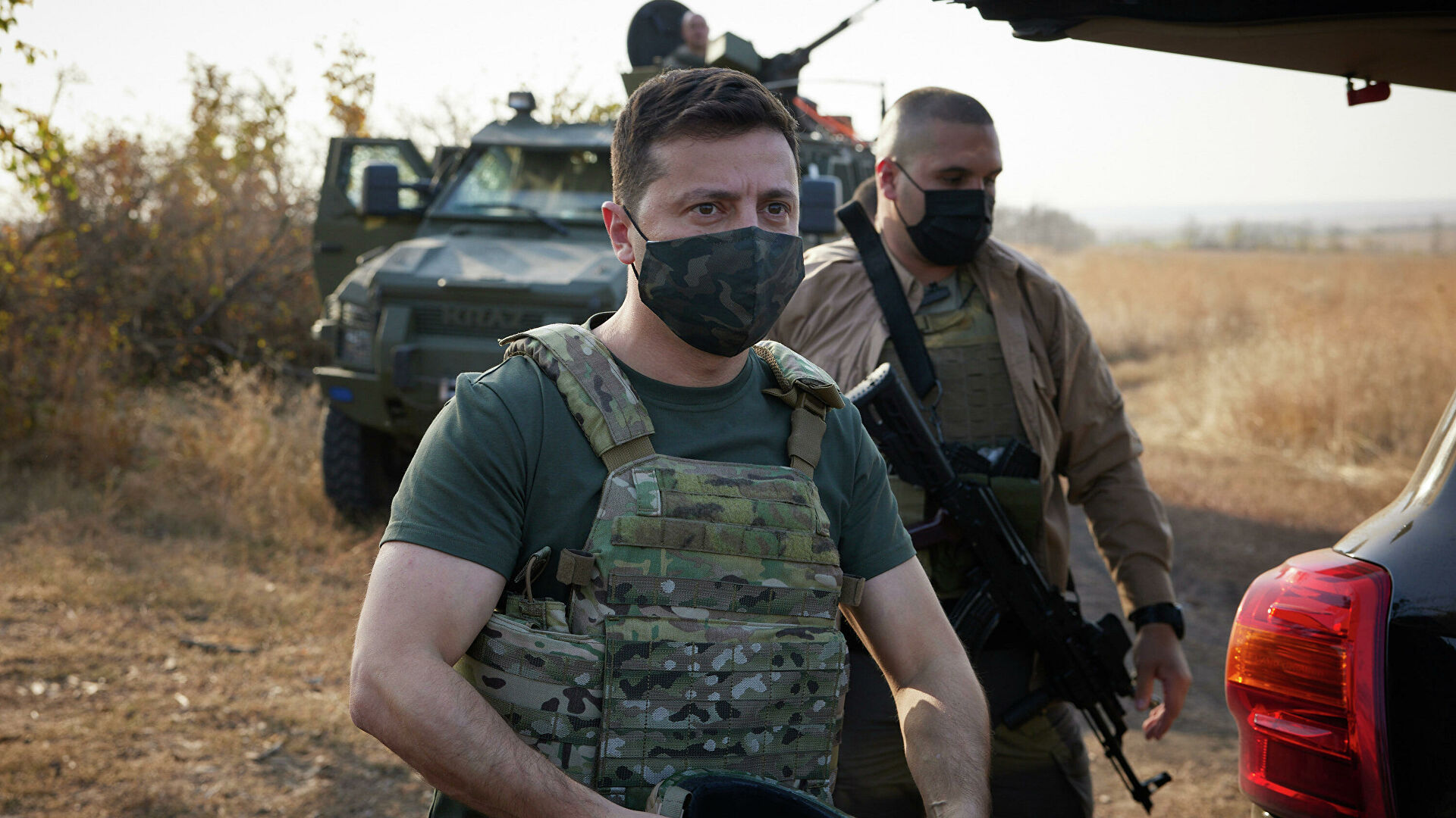 Zelensky arrives in Donbass to meet with security officials