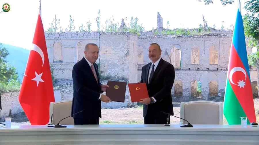 Presidents of Turkey and Azerbaijan signed a declaration of alliance