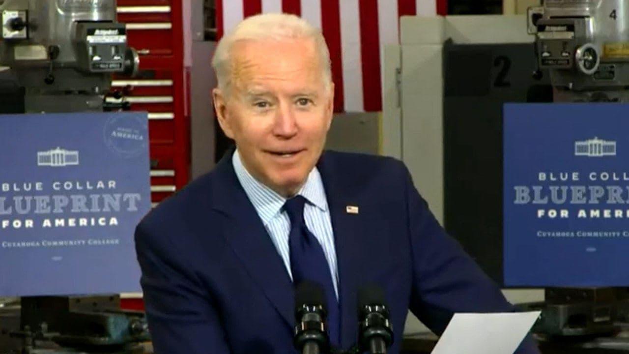 Biden: scandals in the dead season