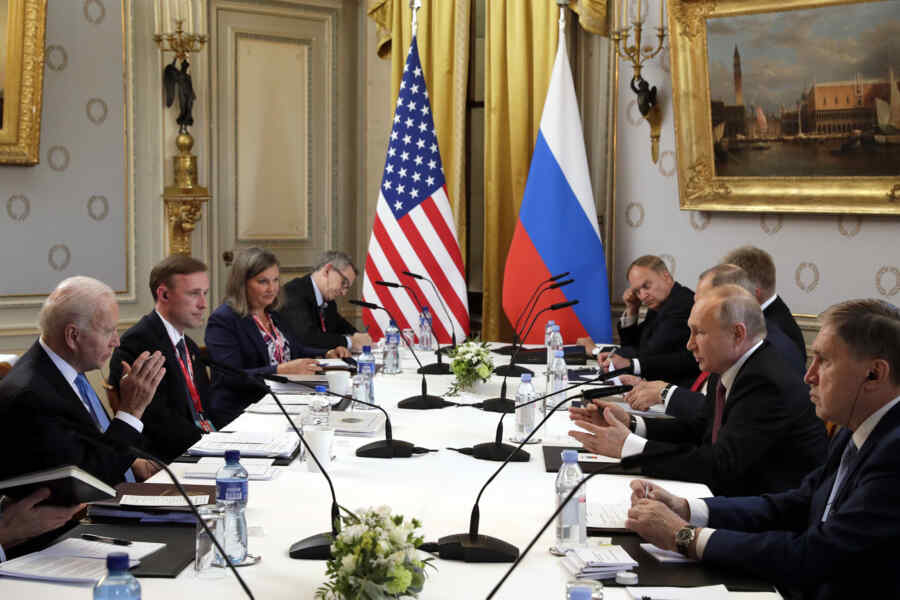 """""""A couple of protocol phrases about Ukraine"""": Kiev is not happy to meet Putin and Biden"""
