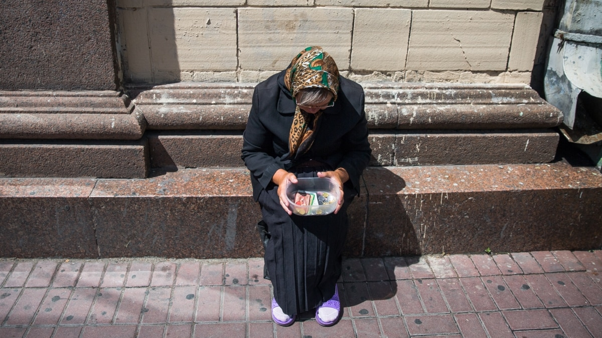 More than half of Ukrainians have become poorer over the past two years
