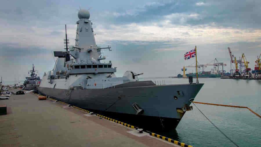 Two NATO warships enter the Black Sea