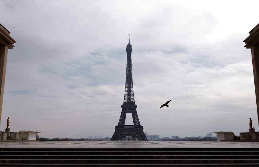 France divided: Paris torn between Berlin and London