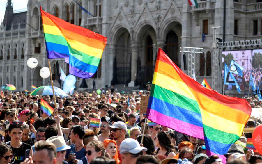 Hungary to submit to referendum law banning LGBT propaganda
