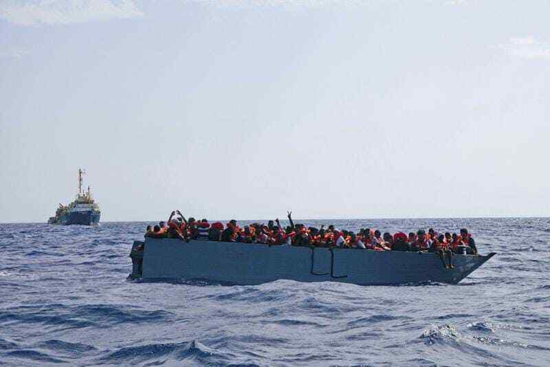 Italy asks EU to help deal with refugee influx
