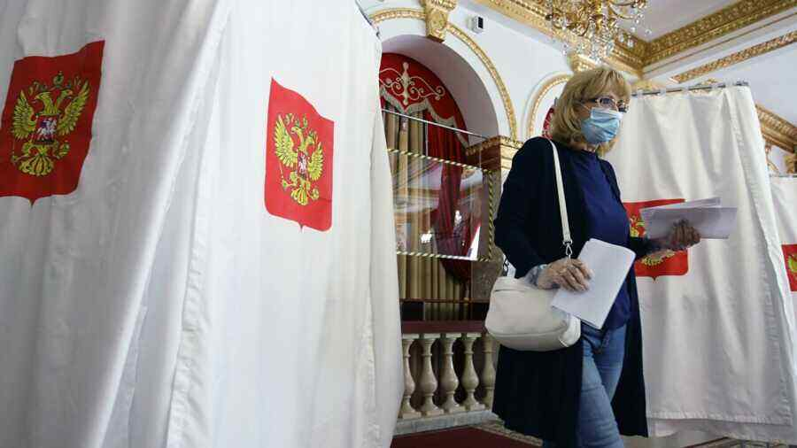 Ukraine demands new sanctions against Russia for holding elections in Donbass and Crimea