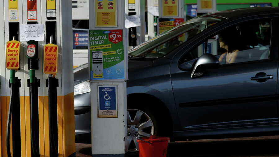 Petrol crisis: Britain simplifies visa regime for transport workers