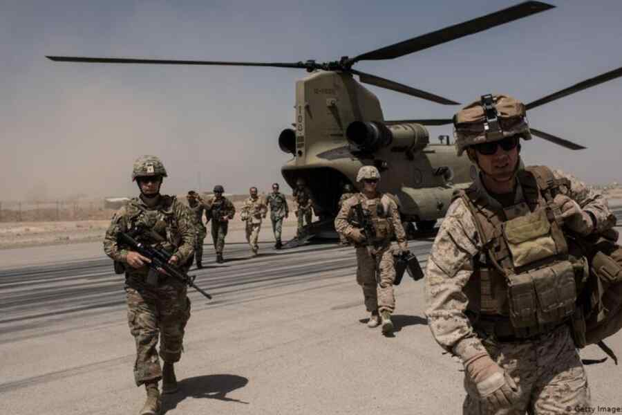 """""""U.S. got into zugzwang"""" - Russian senator comments on flight of Americans from Afghanistan"""
