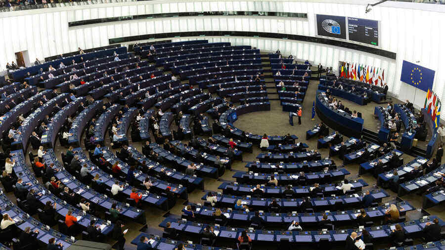 European Parliament approves report on tightening EU policy towards Russia