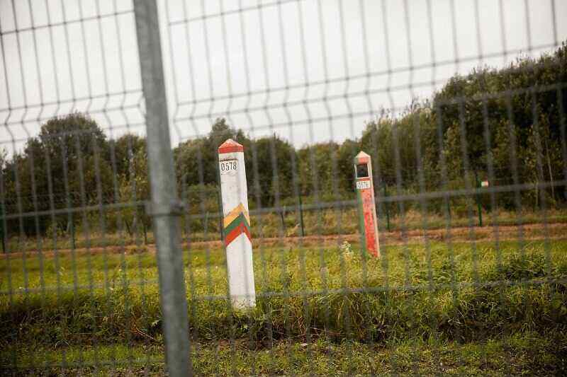 Lithuania starts installing a fence on the border with Belarus