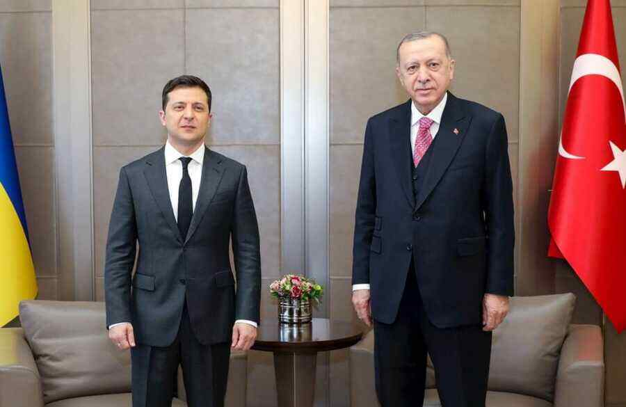 Zelensky tries to talk to Russia through Turkey