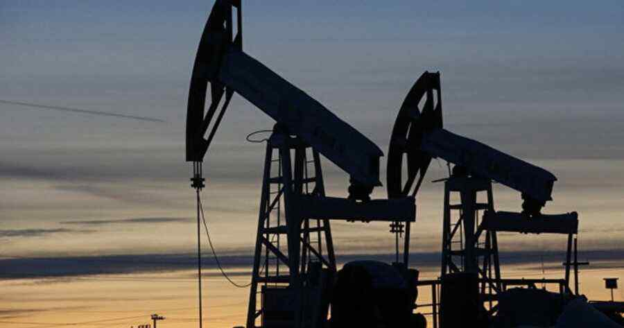 Poland admires Russia's prowess on the oil market