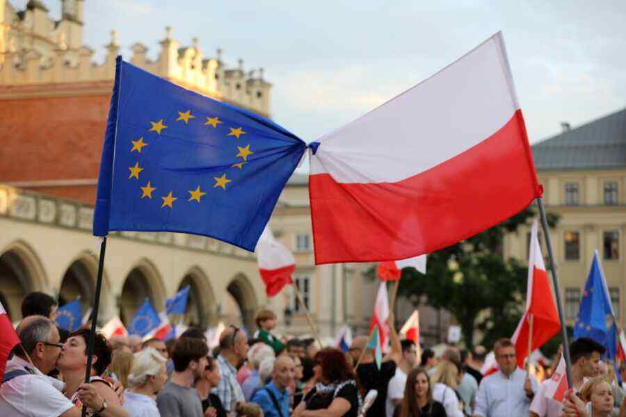 The Telegraph: the European Union will not be able to win in the dispute with Poland