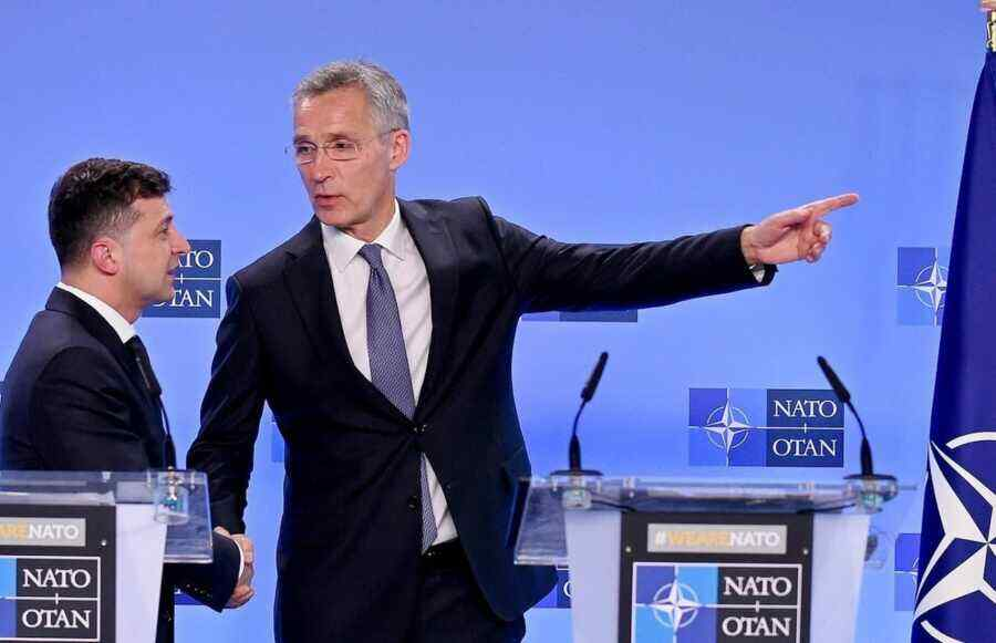 Why Ukraine is so keen to join the EU and NATO